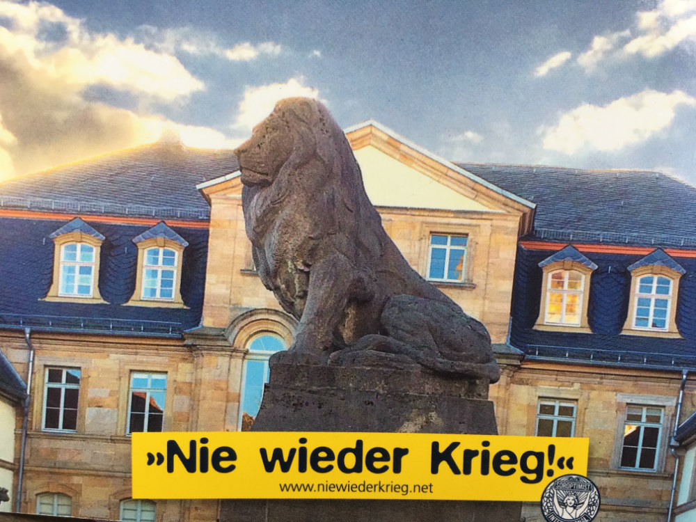 Die Löwenstatue in Lauterbach vor dem Hohhaus.