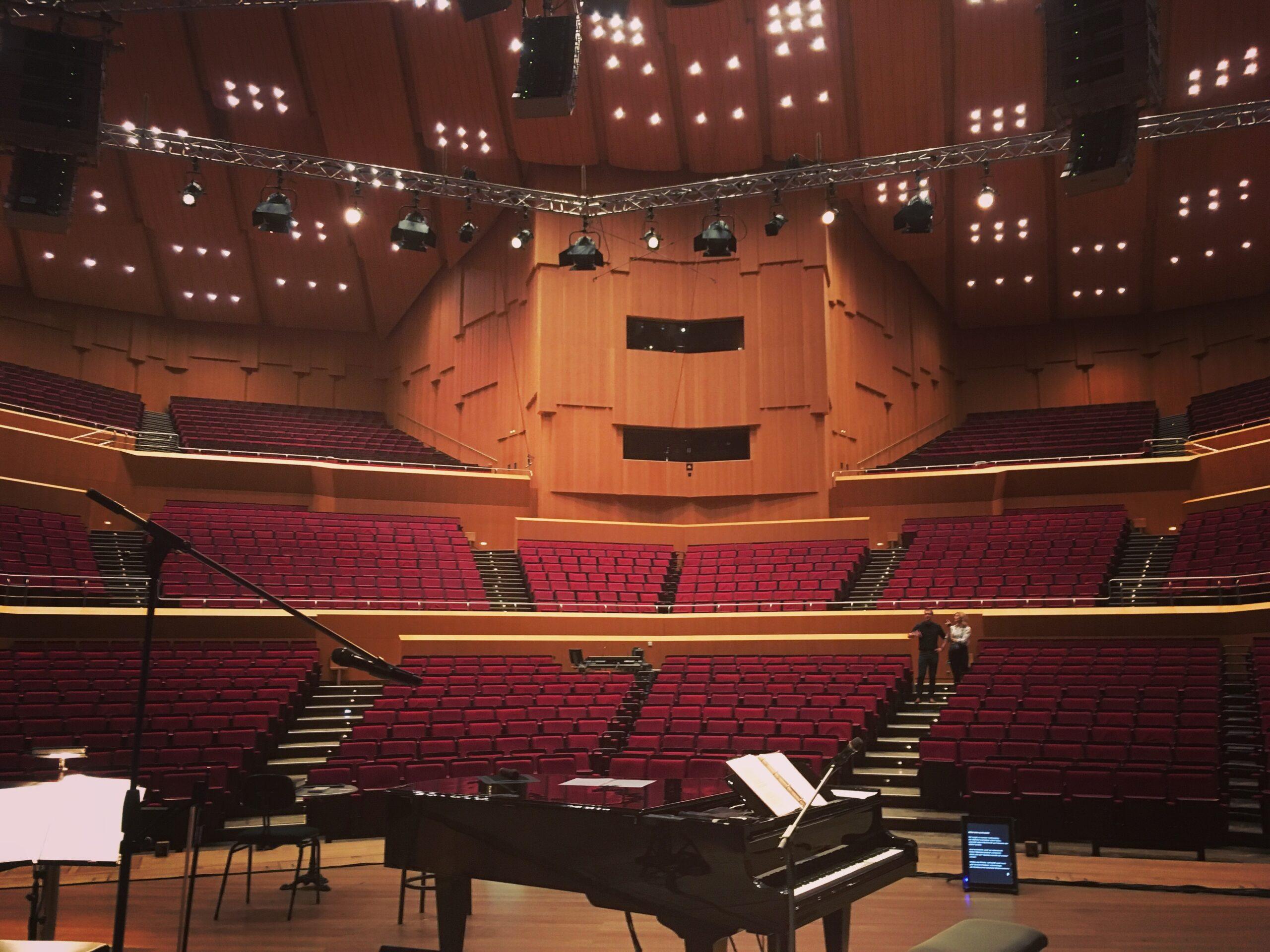 Leere Philharmonie am Gasteig kurz vor dem Auftritt von Miriam Hanika