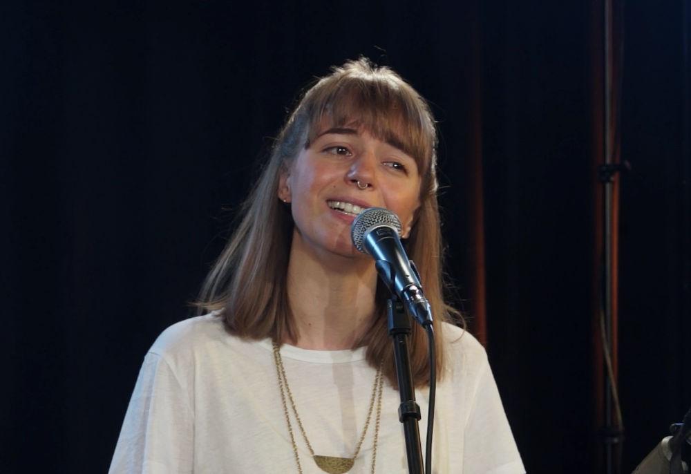 """Miriam Hanika singt """"Der Astronaut"""""""